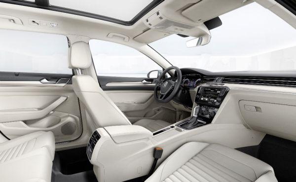 2015-Volkswagen-Touran-R-Line-Interior