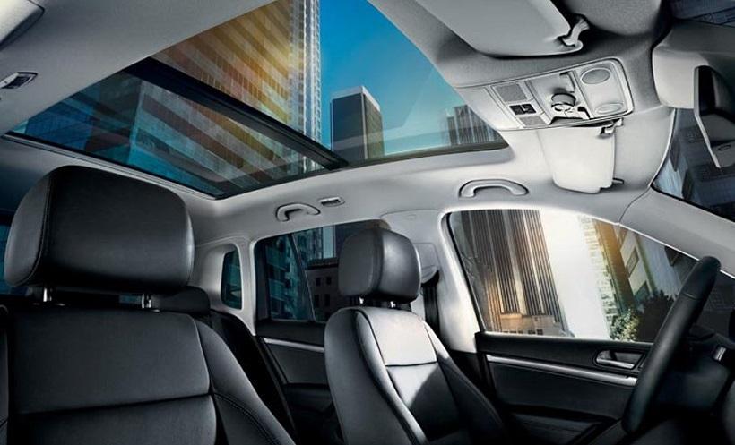 2014_Volkswagen_Tiguan_Interior_3